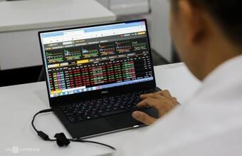 Tháng 7, lượng tài khoản chứng khoán mở mới giảm mạnh