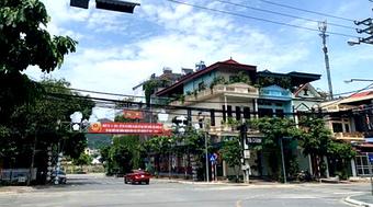 Lào Cai dừng hoạt động các dịch vụ không thiết yếu từ 12h ngày 3/8