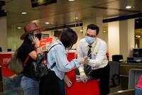 Áp giá sàn vé máy bay: Dấu chấm hết cho vé rẻ 0 đồng!