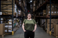 Hiện thực tàn khốc của 'địa ngục' chuỗi cung ứng: Giám đốc logistic van nài ''chỉ cần lấy cho tôi 1 container thôi'', chi phí vận chuyển gấp hàng chục lần vẫn cam chịu