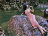 """Ảnh thời trang """"tiên nữ tắm suối"""" của mỹ nữ Quảng Ninh từng ném danh hiệu vào thùng rác"""