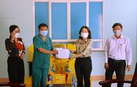 Quảng Ngãi trao quà Trung thu cho trẻ em đang điều trị Covid-19
