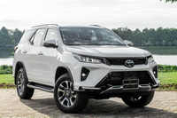 Ngày này năm xưa: Toyota Fortuner bản mới ra mắt - Vua SUV 7 chỗ chật vật tìm lại ánh hào quang