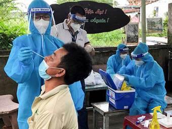 TP.HCM: Xét nghiệm 327.206 người vùng cam, đỏ, phát hiện hơn 3.500 người dương tính