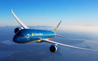Sàn chứng khoán vẫn đỏ lửa, cổ phiếu Vietnam Airlines ngược chiều tăng trần