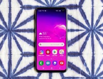 """Top smartphone ra mắt đã lâu nay vẫn """"làm mưa làm gió"""" do giá đã rẻ hơn nhiều"""