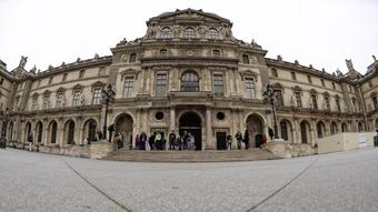 Samsung hợp tác với bảo tàng Louvre đăng ký tác phẩm nghệ thuật trên TV