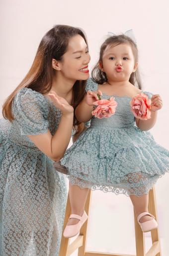 Nguyễn Ngọc Anh và ông xã ra mắt ca khúc mừng sinh nhật con gái 2 tuổi