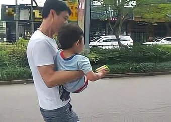 Con trai bị bắt cóc, mẹ gặp lại nhưng vờ không nhận ra, hành động sau đó quyết định an nguy đứa bé