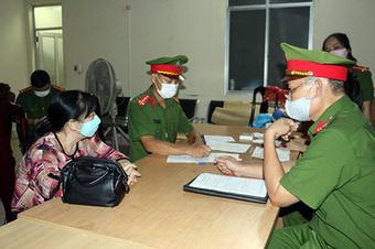 Khởi tố bị can, bắt tạm giam vợ chồng Giám đốc Công ty Minh Khang về tội Lừa đảo