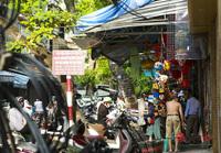 Phố Hàng Mã ''tất bật'' mở cửa bán hàng Trung thu