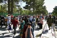 Afghanistan: Taliban yêu cầu học sinh nam và thầy giáo tới trường
