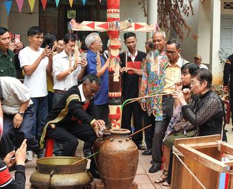 Trao truyền những đặc sắc nghi thức tổ chức lễ hội