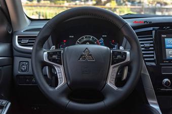 Mitsubishi Pajero Sport 2021 giảm kỷ lục 120 triệu đồng tại đại lý - Cuộc chạy đua tìm khách mùa dịch trước Everest và Fortuner