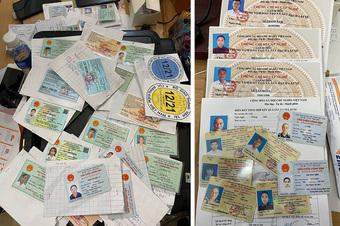 TP Hồ Chí Minh bắt giữ đối tượng làm giả và bán các loại giấy tờ để thông chốt