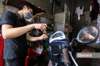 Dịch vụ sửa xe ở Hà Nội quá tải sau khi mở cửa trở lại