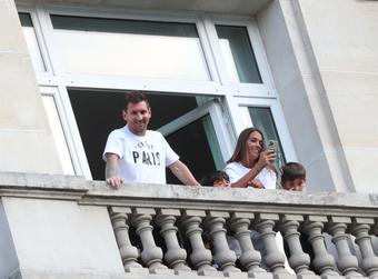 """Di Maria: """"Messi gặp khó khăn tại PSG vì chưa tìm được biệt thự"""""""