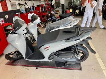 Honda SH350i về đại lý, giá tạm tính 170-190 triệu đồng