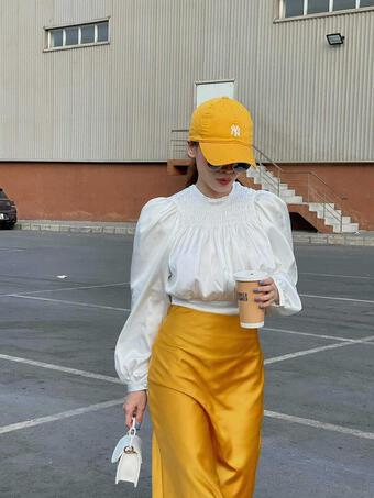 Yến Trang có bộ sưu tập áo sơ mi trắng mix&match cực kỳ đẳng cấp