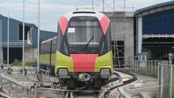Chùm ảnh: Đường sắt Nhổn - ga Hà Nội nhận đủ 10 đoàn tàu, vận hành ra sao?