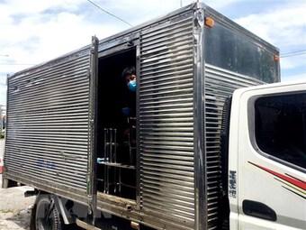 """Phát hiện nhiều xe tải """"luồng xanh"""" chở hàng vi phạm quy định"""