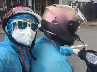 Đội S.O.S y tế phản ứng nhanh chỉ có 2 người nhưng hỗ trợ nhiều người chống dịch...