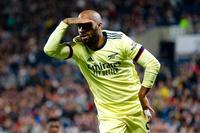 Sao Arsenal không nhận được lời đề nghị gia hạn hợp đồng