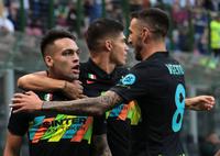 Đánh tennis với Bologna, Inter Milan tái chiếm ngôi đầu Serie A