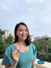 """Hồng Diễm công khai việc niềng răng, Hồng Đăng tung luôn ảnh thời """"khấp khểnh"""" đáng yêu thế nào mà khiến fan dậy sóng"""