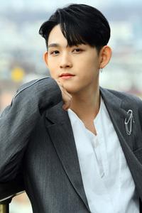Cả Kbiz rầm rộ tin con trai nữ diễn viên Choi Jin Sil thi Show Me The Money, diện mạo hot của cậu sau 13 năm mẹ tự tử gây sốt