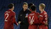 Man Utd quyết bán Van de Beek, Lingard cùng 5 ngôi sao vào tháng Giêng
