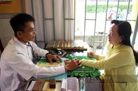 Lương y Hiểm 3 đời gắn bó với nghề chữa bệnh cứu người, sáng tạo trồng hàng rào thuốc nam