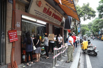 Phường Thụy Khuê tạm đóng cửa toàn bộ các cơ sở kinh doanh bánh Trung thu