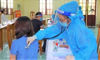 Hy hữu: Nữ giáo viên tiêm 2 mũi vắc-xin AstraZeneca... cách nhau 10 phút