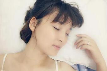 Nếu bạn có 4 biểu hiện này khi ngủ, điều đó có nghĩa là bạn có số mệnh trường thọ