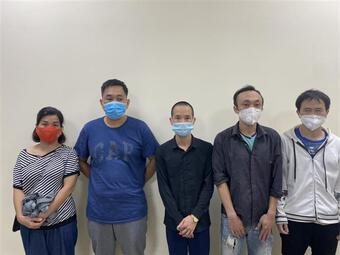 Hà Nội: Khởi tố đối tượng làm giả giấy đi đường, đưa nhiều người về Nghệ An