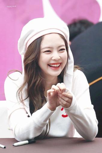 Chuyên gia nha khoa chọn top 3 idol có nụ cười đẹp nhất Kpop: Jennie cười xinh tuyệt đối, tranh cãi nam idol vượt mặt V (BTS)