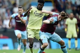 Thắng 1-0, Arteta ca ngợi mỏ neo chuyển đổi trạng thái đỉnh cao của Arsenal