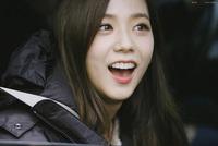Nha sĩ tiết lộ sự thật không như tưởng tượng về hàm răng của các idol Kpop
