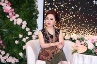 """Nghe quản lý nghệ sĩ Huỳnh Lập mỉa mai """"không có nghệ sĩ không ai làm từ thiện miền Trung"""", bà chủ Đại Nam đáp trả một câu như thử thách IQ"""
