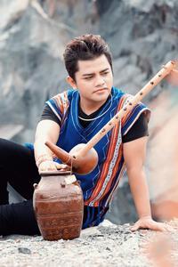 Việt Hương nghẹn ngào thông báo ca sĩ Y Jang Tuyn qua đời sau thời gian điều trị Covid-19