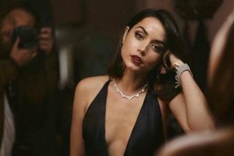 Nhan sắc nóng bỏng của mỹ nhân Cuba lần đầu vào vai Bond Girl