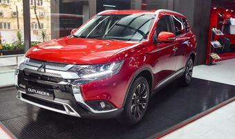 Giá xe Mitsubishi Outlander lăn bánh tháng 9/2021, hỗ trợ 50% LPTB