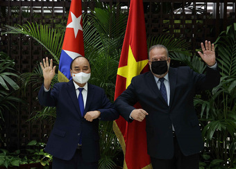 Việt Nam mong mở rộng hợp tác chuyển giao công nghệ vắc xin COVID-19 với Cuba