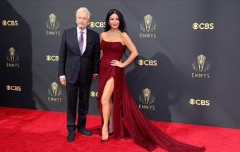 Dàn sao trên thảm đỏ lễ trao giải Emmy 2021