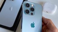 """Vì sao iPhone 13 Pro """"đáng chi"""" hơn iPhone 13 Pro Max?"""