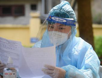 Phát hiện 3 nhân viên y tế dương tính, Sở Y tế Hà Nội ra công văn khẩn: Yêu cầu đặt cảnh báo phòng chống dịch ở mức cao nhất