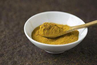 Ứng dụng tính kháng khuẩn của bột Hoàng bá trong khử mùi cơ thể