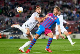 Ghi bàn phút 90, Barcelona thoát thua nghẹt thở trước Granada