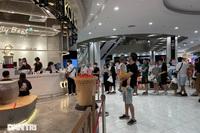 Trung tâm thương mại ở Hà Nội đông nghịt khách đêm rằm Trung thu